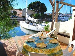 Nice 2 bedroom Port Grimaud Villa with Internet Access - Port Grimaud vacation rentals