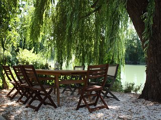 Sunny House with Washing Machine and Television - Saint Savinien sur Charente vacation rentals