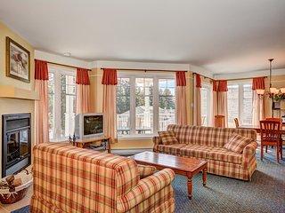 Lac Archambault Condos Upper St Donat Condo - Saint-Donat-de-Montcalm vacation rentals