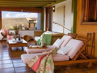 Beautiful 1 bedroom Condo in Ye - Ye vacation rentals