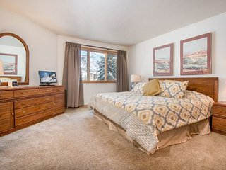 Frost Fire B19 - Walk to slopes, views, on shuttle route - Keystone vacation rentals