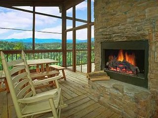 Dog-friendly hillside cabin with private hot tub and stunning views! - Townsend vacation rentals