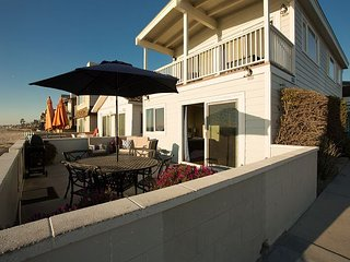 Newly Renovated Oceanfront Single Family Home! Spacious Patio! (68133) - Newport Beach vacation rentals