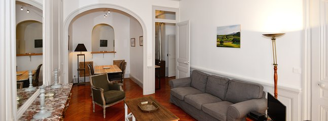 Gorgeous 2 bedroom Apartment in Lyon with Internet Access - Lyon vacation rentals