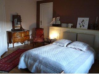 Chambre d'hôte dans une jolie magnanerie - Laudun vacation rentals