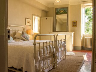 Charming Double/ Triple Room, Pool Access And Free Breakfast - Maison Lambot B&B - Montfort-sur-Argens vacation rentals