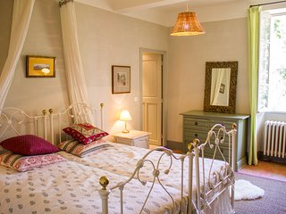 Double Or Triple Room, Provence Mansion, Pool Access And Free Breakfast - Montfort-sur-Argens vacation rentals