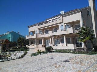 Apartman Niko 4 (2+2) - Kozino vacation rentals