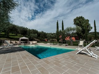 Villa Bilio, luxury villa with 5 bedrooms only 10 km from the Versilia beach - Massarosa vacation rentals