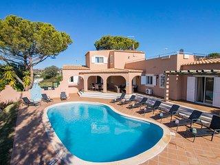 Villa Anita – Non-overlooked 5-bedroom villa with pool in Vilamoura. - Vilamoura vacation rentals