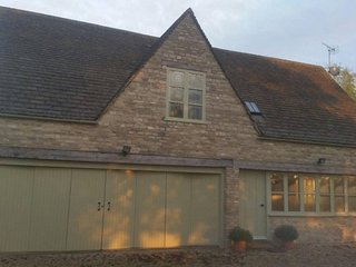 2 Storey Holiday Cottage in Tetbury, Cotwolds - Tetbury vacation rentals