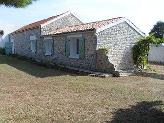 Tres belle maison oleronaise  calme assuree - Saint-Georges d'Oleron vacation rentals