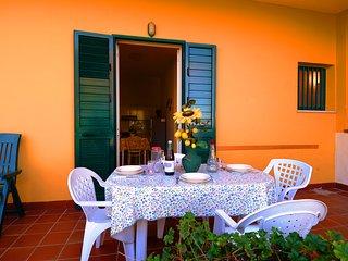 Appartamento del Sole con Vista Mare (N°1) - Tropea vacation rentals