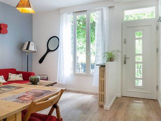 Cosy and beautiful Apartment Close to Paris and CDG airport - Aulnay-sous-Bois vacation rentals