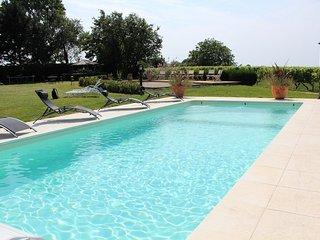 """"""" La Petite Maison """" - Villenave-de-Rions vacation rentals"""