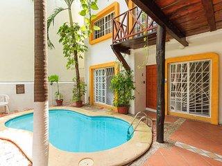 ALBA - Cozy 2bd Apartment w/Huge Terrace Downtown - Playa del Carmen vacation rentals