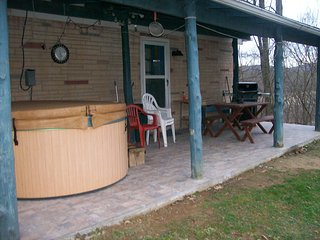 Hideaway  with Hot-Tub at Smoke Hole - Upper Tract vacation rentals