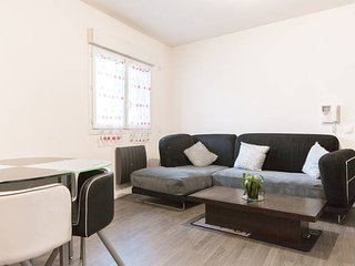 Nice Condo with Internet Access and Satellite Or Cable TV - Le Havre vacation rentals