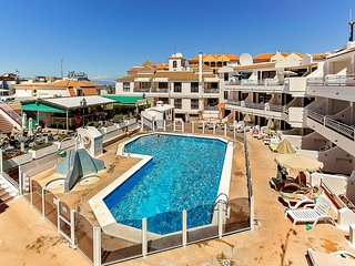 Los Cristianos Apartment with Sea View and Pool - Los Cristianos vacation rentals