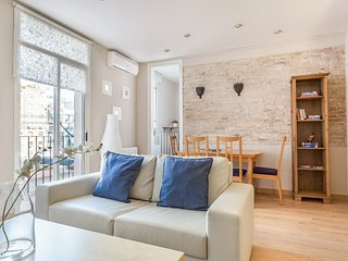 Sagrada Familia Avenida Gaudí Apartment - Barcelona vacation rentals