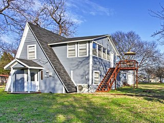 NEW! Cozy 3BR Gun Barrel City Cottage on a Lake! - Gun Barrel City vacation rentals