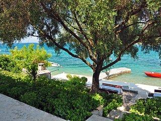 Seaside/Beachfront apartments Ruskovic - Poluotok Peljesac vacation rentals