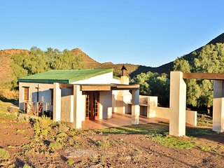 Ladismith - Self Catering - Mountain Views - Bird Watching - Game Reserve - Ladismith vacation rentals