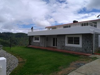 Comfortable Cottage with Satellite Or Cable TV and Parking - Ootacamund vacation rentals