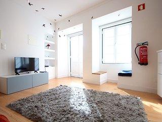 Wasabi Blue Apartment, Alfama, Lisbon - Lisbon vacation rentals