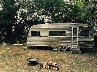 Oak Lodge Glampsite - Luxury Vintage Caravan 2 - Northwold vacation rentals