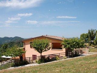 Cozy 2 bedroom Apecchio Condo with Deck - Apecchio vacation rentals