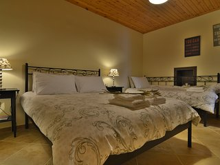 2 bedroom Guest house with Internet Access in Stemnitsa - Stemnitsa vacation rentals