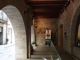 Girona Dúplex con parking Zona Rambla - Girona vacation rentals