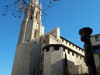 Girona apartamento familiar con Parking - Girona vacation rentals