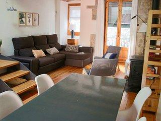 Girona Apartament als Banys Àrabs A - Girona vacation rentals