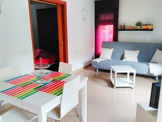 Cozy Condo with Internet Access and Washing Machine - Girona vacation rentals