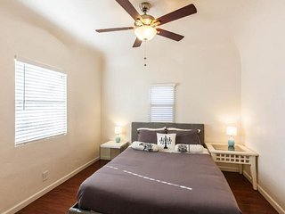 Spacious condo downtown Phoenix, 1 - Phoenix vacation rentals