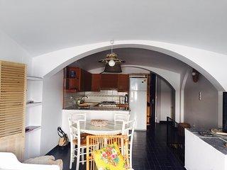 2 bedroom Apartment with A/C in Cadaques - Cadaques vacation rentals
