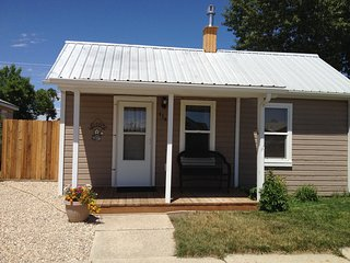 One Bedroom, Darling Cottage, 3 Blocks from Downtown Cody! - Cody vacation rentals