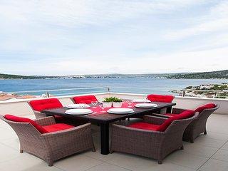 """Perfect runaway""in a quiet bay-app for 6 (Mona 4) - Razanj vacation rentals"