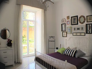 Appartamento centro-lungomare , apartment center-promenade - Naples vacation rentals