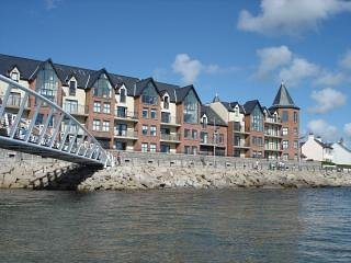 B2 Waterfoot Seafront apt with unrestricted sea views -fab.. and free wi-fi too! - Newcastle vacation rentals