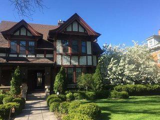 Beautiful mansion on historic Summit Avenue - Saint Paul vacation rentals