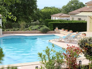 Nice Villa with Washing Machine and Television - Pont-Saint-Esprit vacation rentals