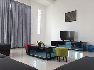 Conus Luxury Bungalow Homestay - Ayer Keroh vacation rentals