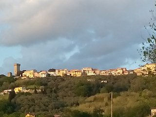 Romantic 1 bedroom Castelnuovo Magra Apartment with Parking - Castelnuovo Magra vacation rentals