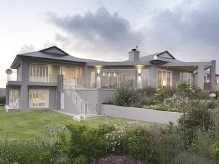Lovely House with Deck and Tennis Court - Plettenberg Bay vacation rentals