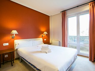 PLAYA DE ONDARRETA apartment - PEOPLE RENTALS - San Sebastian - Donostia vacation rentals