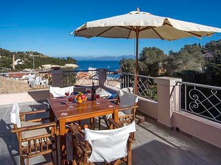 Mimika - Sleep 2-4 people in Loggos village with great views across the bay - Loggos vacation rentals