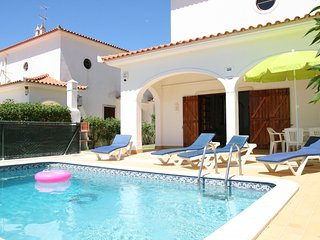 Villa private pool, free SKY TV, WiFi & A/C in peaceful location of Vale do Lobo - Vale do Lobo vacation rentals